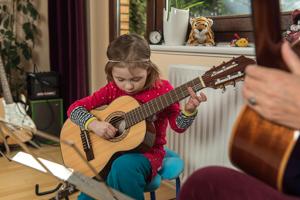 Gitarre lernen für kinder hamburg